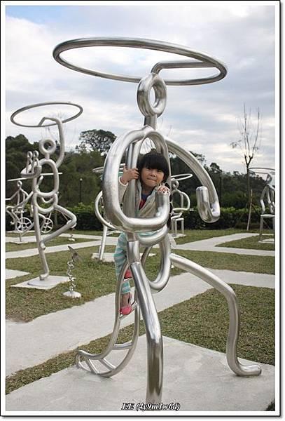 EE與雕塑1.JPG