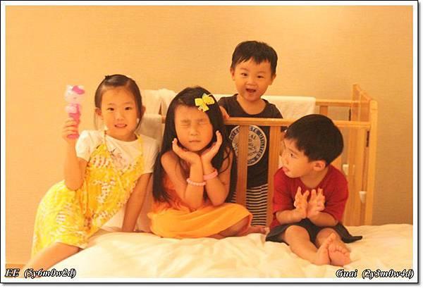 四個小人兒.JPG