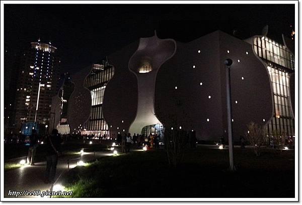 夜間的歌劇院.jpg