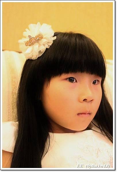 EE穿白色小禮服-5.JPG