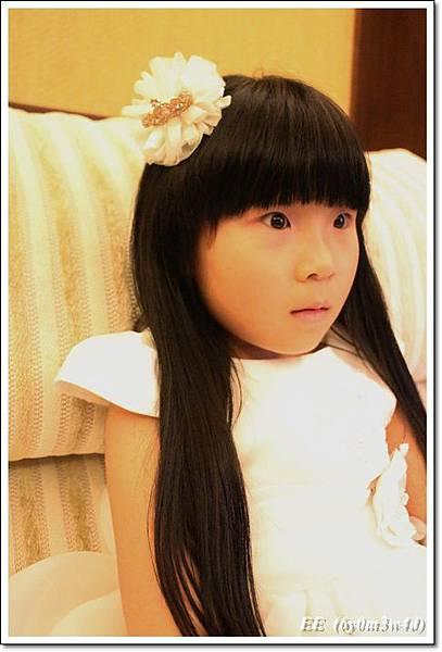 EE穿白色小禮服-6.JPG