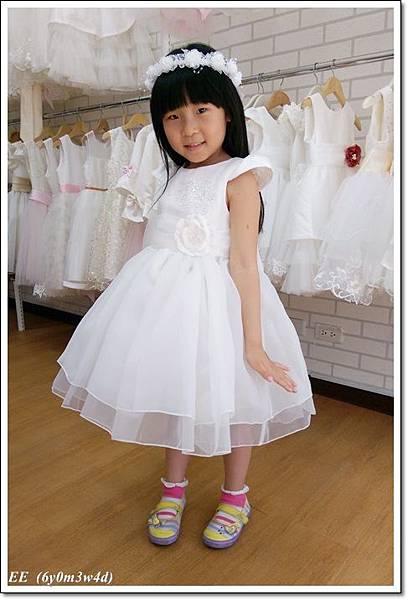 (店家)EE穿白色小禮服-3