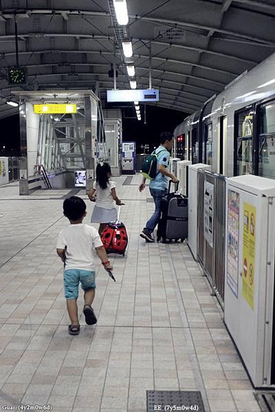 0728搭電車.JPG