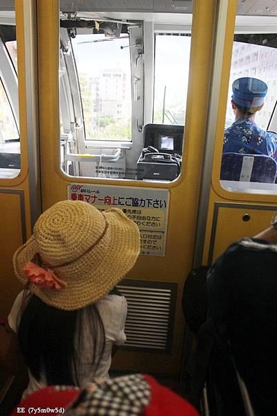 0729-4 坐在車長後方.JPG