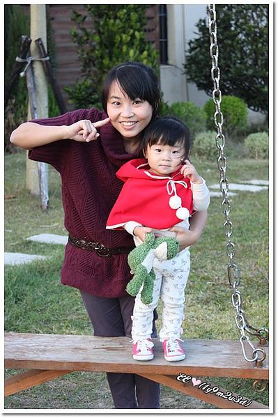 母女擺笑哈哈pose.jpg