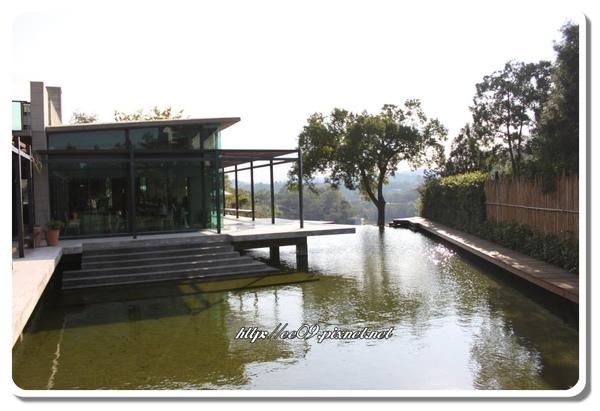 二泉湖畔ㄧ入門.jpg