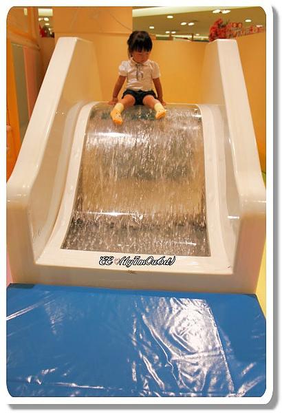 流水溜滑梯-1.jpg