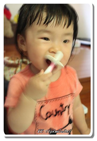 調皮刷牙-1.jpg