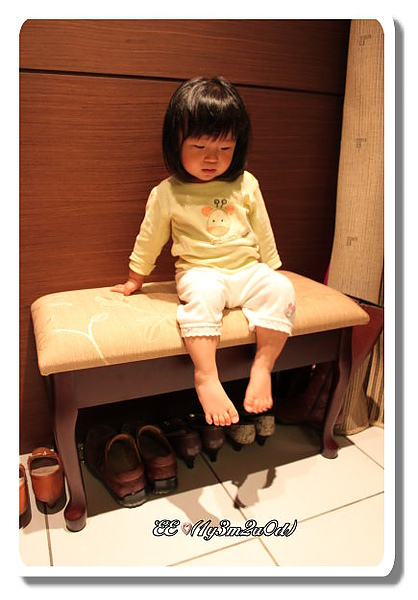 EE坐玄關椅.jpg