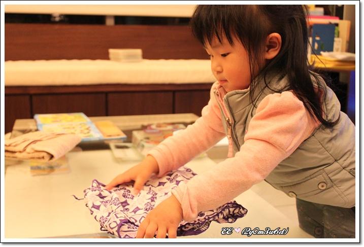 認真折絲巾.jpg
