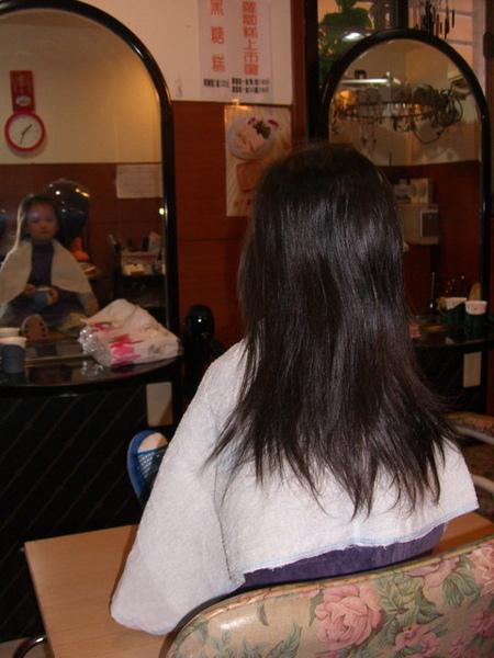 剪頭髮前的長髮(從小到大第一次剪)