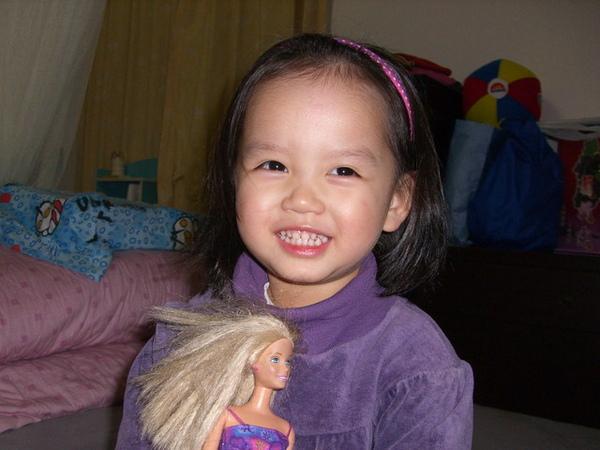 和芭比娃娃照相
