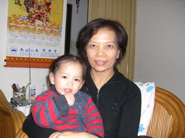 外婆和閔閔