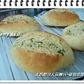 天然酵母大蒜麵包-羅勒葉醬05