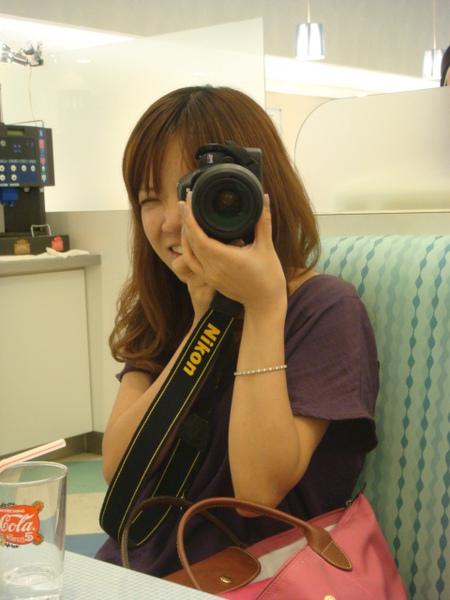 來到日本後開始玩起單眼相機, 看了我也好心動唷!
