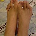 仔細看,我的腳ㄚ跟你的有什麼不一樣?
