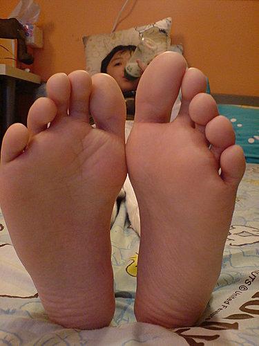 為什麼小王子左右腳的腳指不一樣長?答案在文章裡喔!