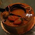 這是壽星準備的蛋糕呢...好有心喔
