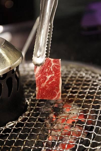 安格斯牛肉油花-台中公益路燒烤推薦