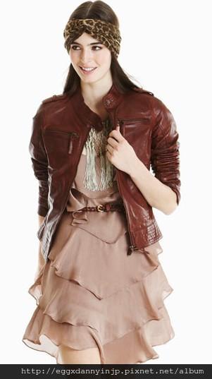 愛牌的本季女裝咖啡色真皮外套