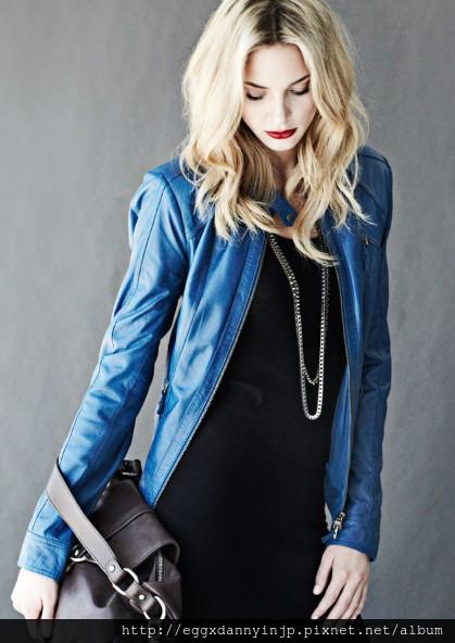 愛牌的本季女裝真皮外套 真皮手提包