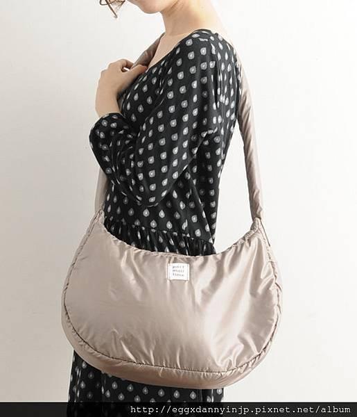 日本Port maritime 舒服抱枕樣 肩背2用包(芥末黃 紫 摩卡 3色) 8