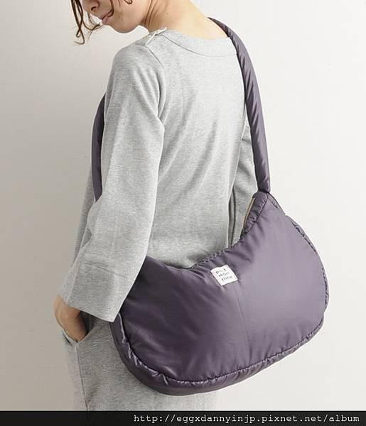 日本Port maritime 舒服抱枕樣 肩背2用包(芥末黃 紫 摩卡 3色) 7