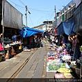 美功鐵道市集Mae Klong Railway Market (4).JPG