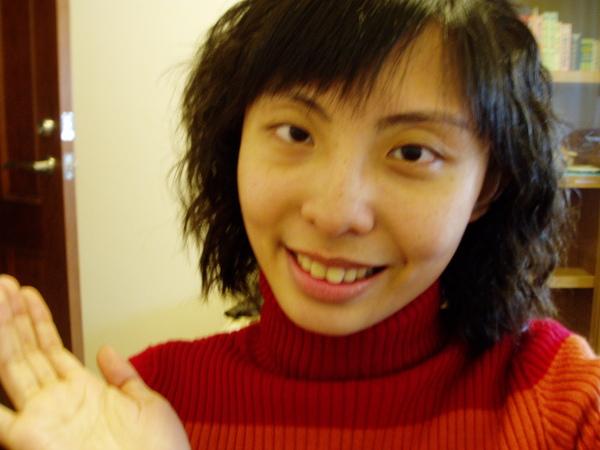 2009年捲髮新造型.JPG