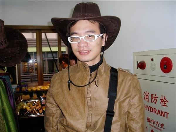 帶牛仔帽的恰吉