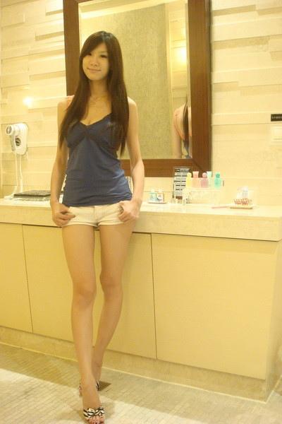 """是浴室 超大的~ 浴室比房間大 O_o"""".jpg"""