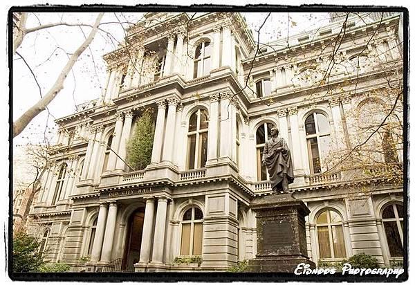 舊市政府,現在變成茹絲葵..XD