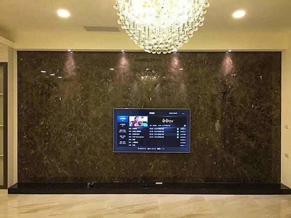 台南安南店提供-陳公館-客廳大理石電視牆+LED水晶燈