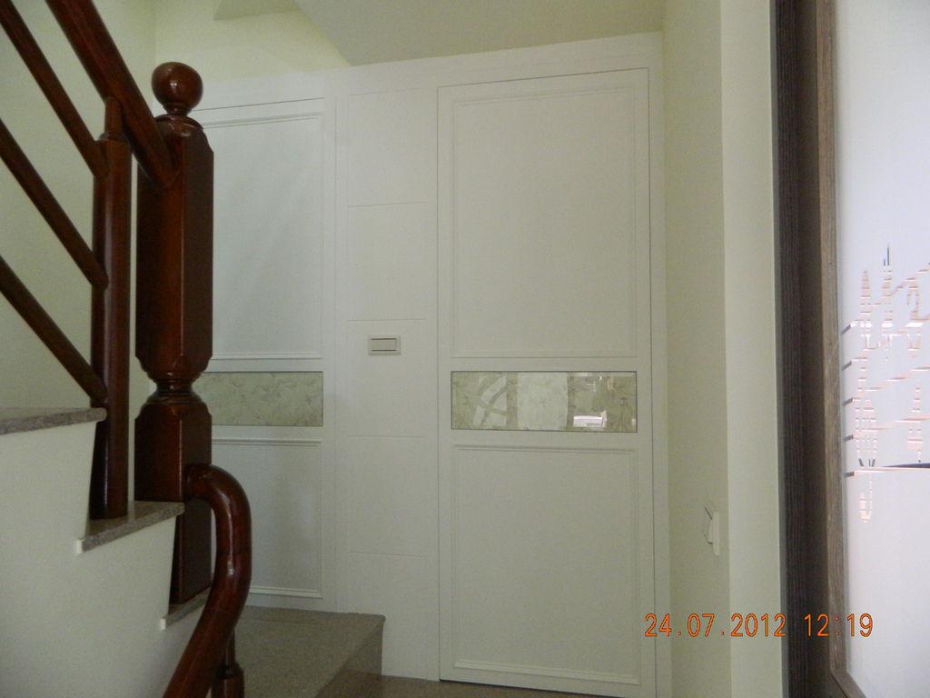 廁所隱藏門