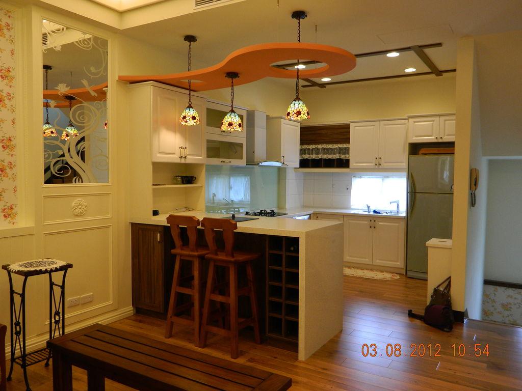 吧台造型天花板