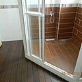 廁所貼木地板