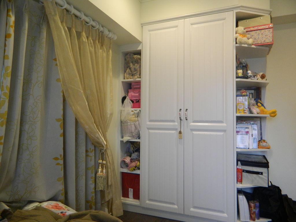 女兒房衣櫃