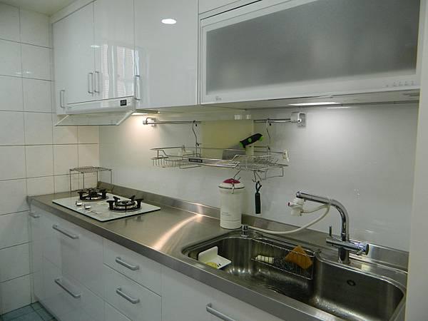廚房4.JPG