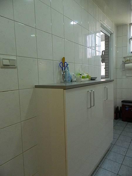 廚房9.JPG