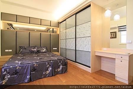 臥室衣櫃 (3).JPG