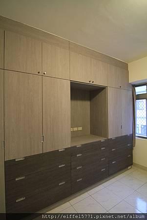 臥室衣櫃.JPG