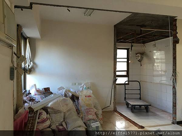 書房及廚房隔間牆拆除IMG_0781