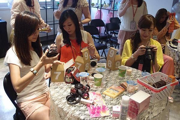 媽啊---一群正妹在86小舖士林店玩瘋了!! (39).jpg