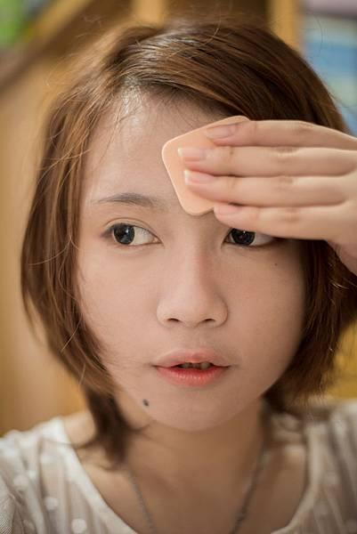 Miss Hana 花娜小姐 傳明酸礦物控油蜜粉餅