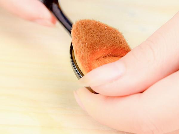 牙刷型粉底刷 底妝 tt max 無刷痕 清透底妝 遮瑕 精華 無痕美膚刷 腮紅