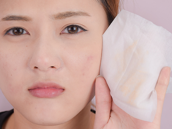 保養觀念 錯誤保養習慣 痘痘肌 毛孔 細紋 粉刺 卸妝 洗臉方法 刷具清潔 膚質