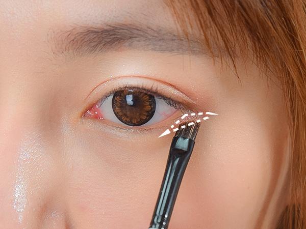 2017水光眼妝 2017流行眼妝 明星眼妝教學 明星常畫眼妝 眼影 水光眼影蜜