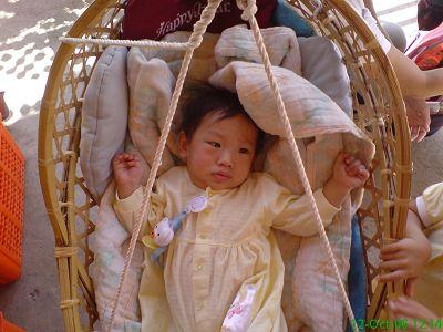 躺在竹籃快要喔喔睏的小沙士