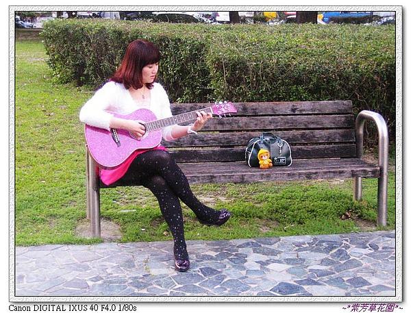 (18) 彈琴.jpg