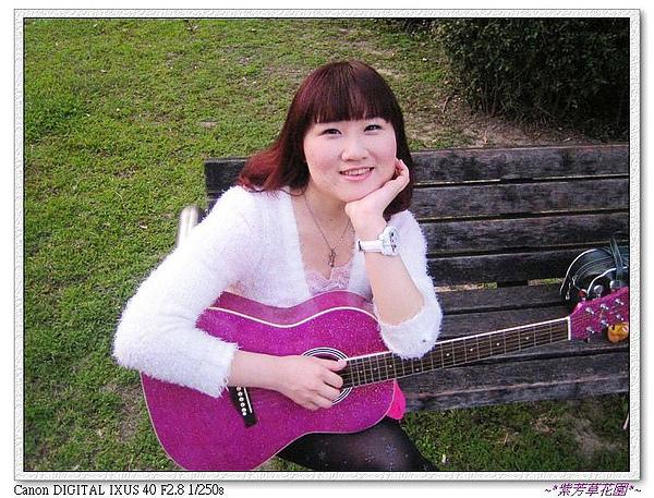 (20) 還可以靠著吉他休息.jpg